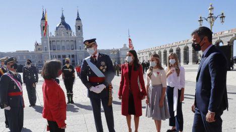 El Gobierno celebra junto al Rey el día de la Fiesta Nacional mientras Vox crispa a la sociedad