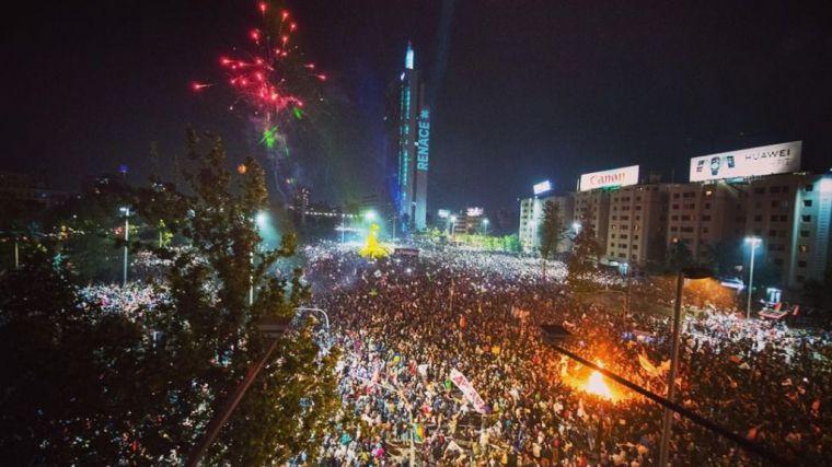 IU muestra su 'sentida alegría' por el resultado del plebiscito en Chile