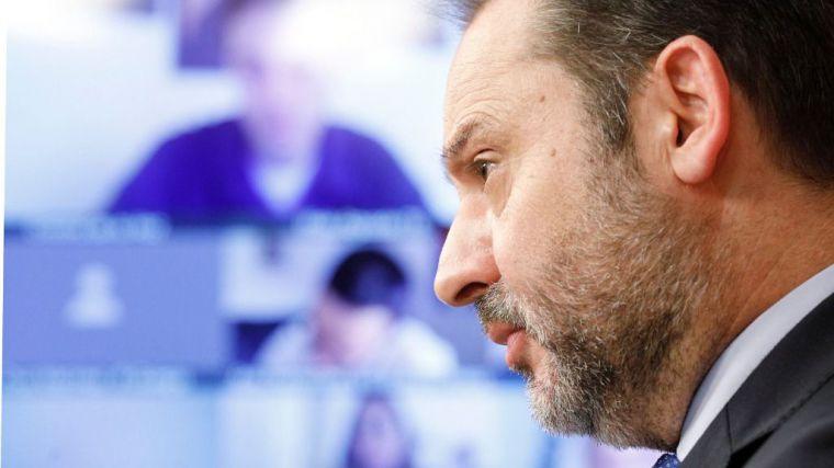 Ábalos advierte que 'el Gobierno no va a renunciar a los votos de nadie'
