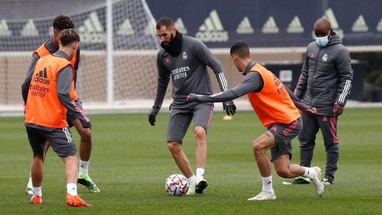 Zidane: 'Los jugadores saben dónde están y lo que es jugar en el Real Madrid'