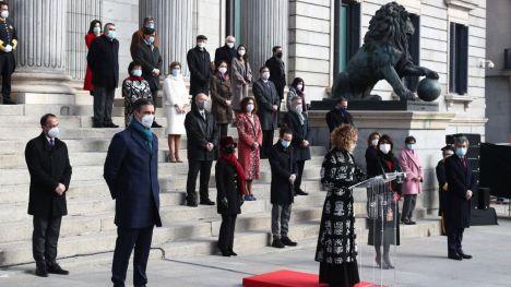 Sánchez elogia el 'espíritu social' de la Constitución mientras que Iglesias 'aspira a otra República'
