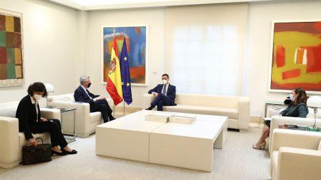 Pedro Sánchez se reúne con el Alto Comisionado de Naciones Unidas para los Refugiados (ACNUR)