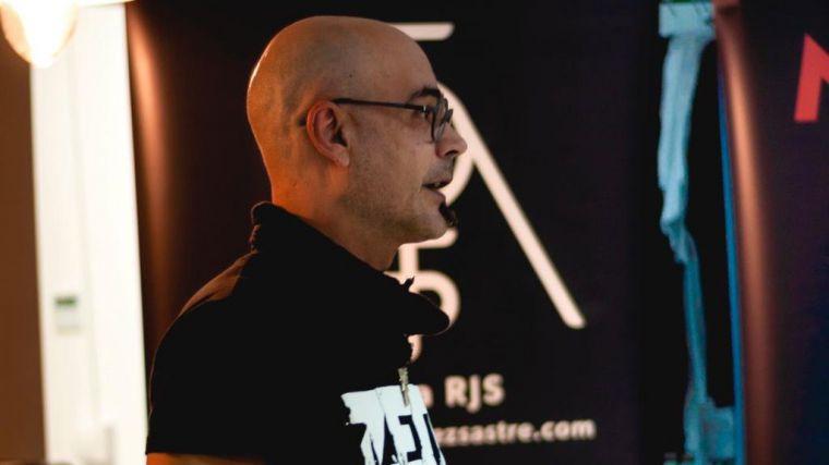 Tándem Combate: 'Metal 666' y 'El despertar de la Ira: manual de lucha'