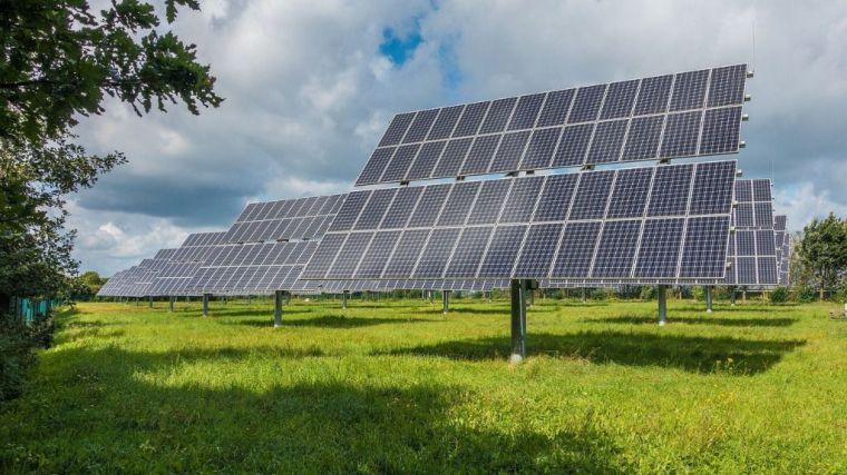 La avalancha de grandes proyectos de energías renovables pone en riesgo una transición energética justa