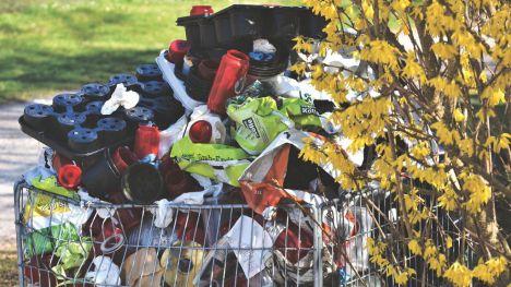 'Devolver el casco' permitiría recuperar en España 6.000 millones de envases tirados cada año