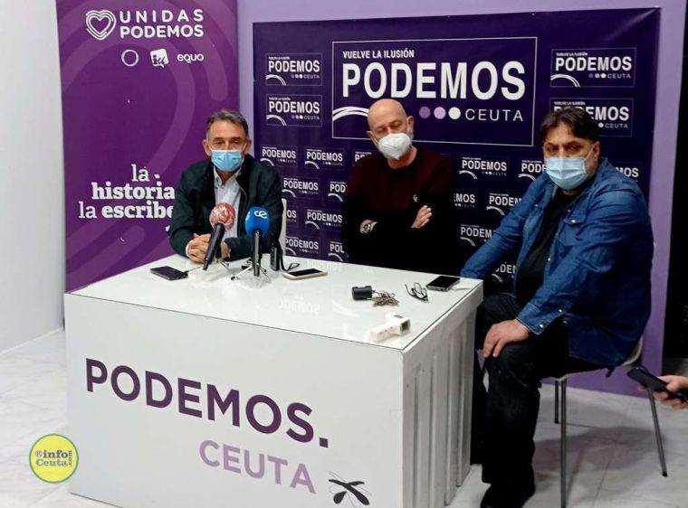 La inauguración de la sede de Podemos por Enrique Santiago enturbiada por el 'invitado' Nepomuceno