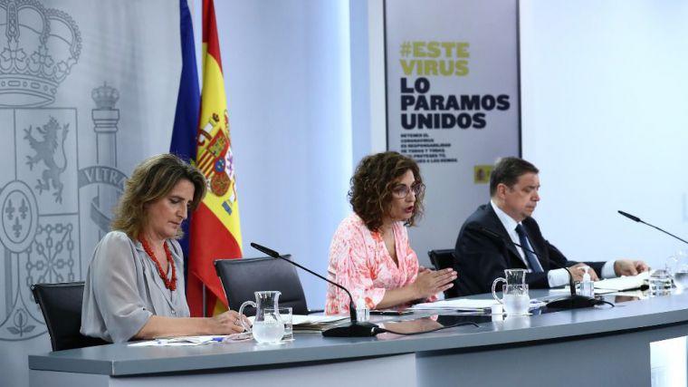 El Gobierno impulsa medidas para abaratar la factura eléctrica de los consumidores domésticos e industriales