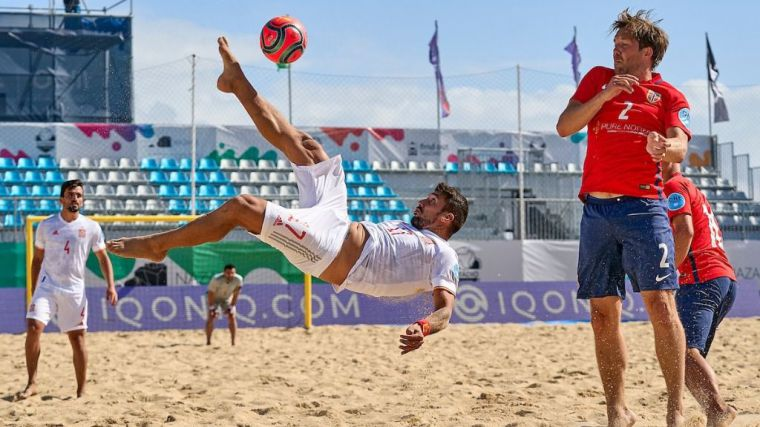 Fútbol playa: España arranca el camino al mundial con goleada