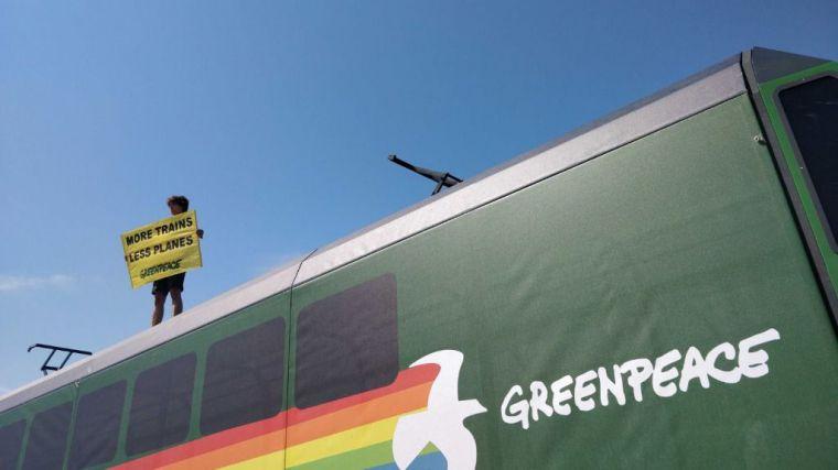 Reivindicación: Un tren en pleno Aeropuerto de Barcelona-El Prat