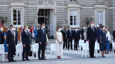 España rinde homenaje a las víctimas del Covid-19 centrándose en la esperanza