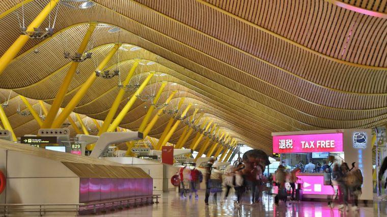 La ampliación de aeropuertos y el crecimiento de la aviación, incompatibles con los compromisos climáticos