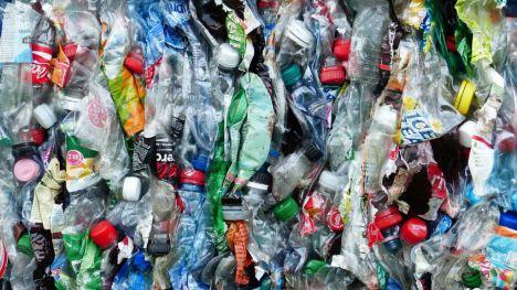 Producir plástico cuesta igual que todo el PIB de la India cada año