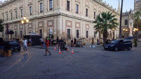 El Ayuntamiento de Sevilla respalda el rodaje de la serie 'Si lo hubiera sabido'