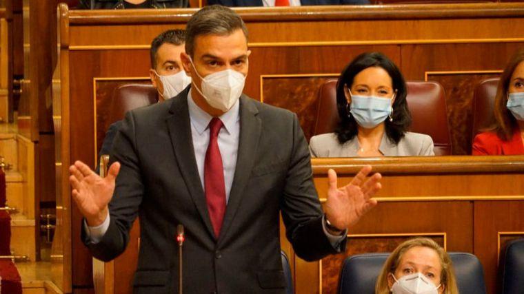 Sánchez defiende que España crece, está en niveles de empleo previos a la pandemia y mantiene baja la prima de riesgo