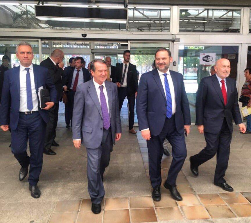 Ábalos anuncia que, en 2020, el AVE conectará Madrid y Vigo en 3 horas y 20 minutos