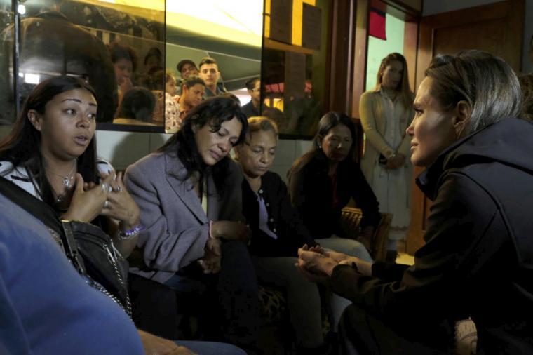 Angelina Jolie, de misión en Perú