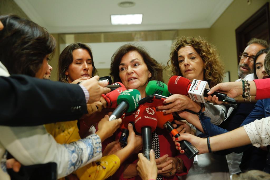 Carmen Calvo anuncia la tramitación por vía de urgencia de la Ley de Igualdad Laboral
