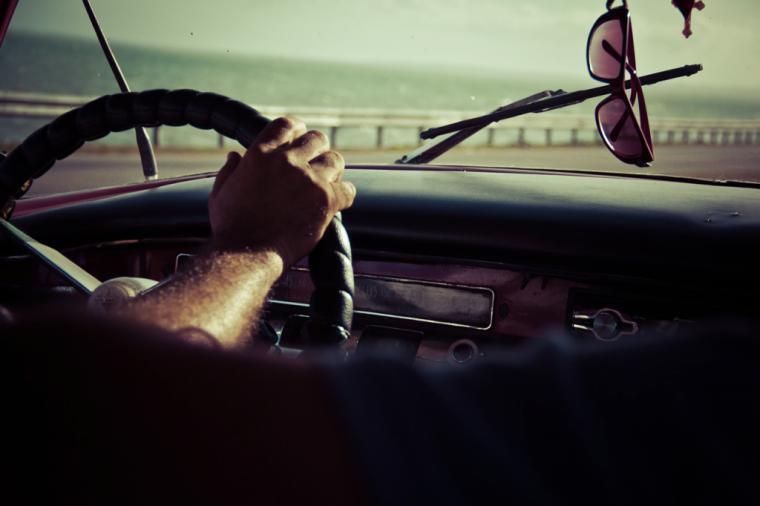 ¿Qué implica conducir con sueño?