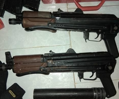 Detienen a un hombre en Almería con dos Kalashnikov AK 47