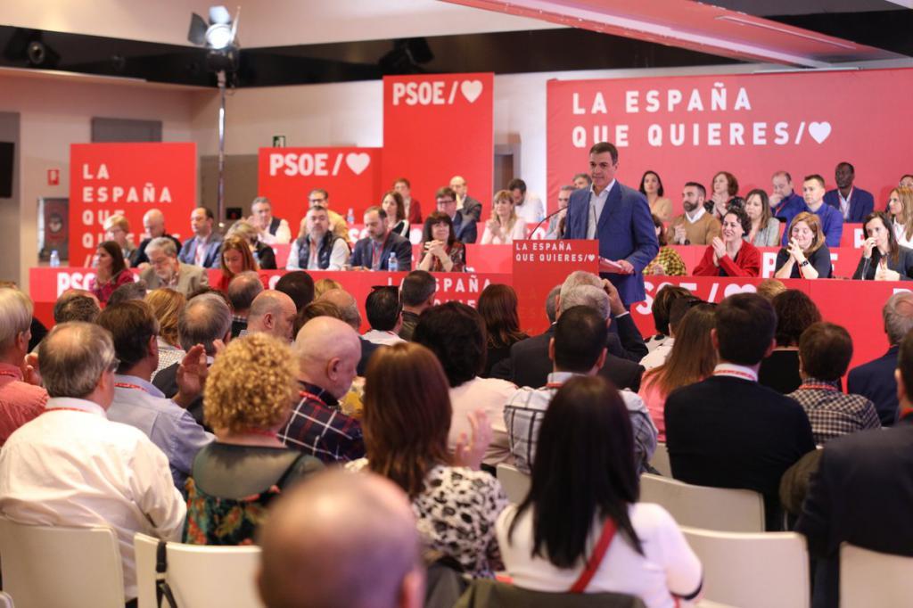 """Sánchez: """"La única vía para resolver la crisis en Cataluña es la vía constitucional"""""""